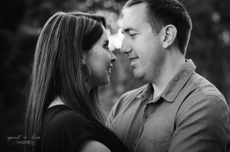 Mark-&-Sasha-Ferres-Pregnancy-Reveal-B&W-35