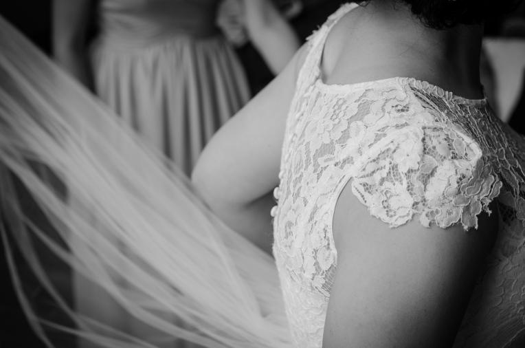 Aaron-+-Jaclyn-Wedding---Getting-Ready-B&W-22