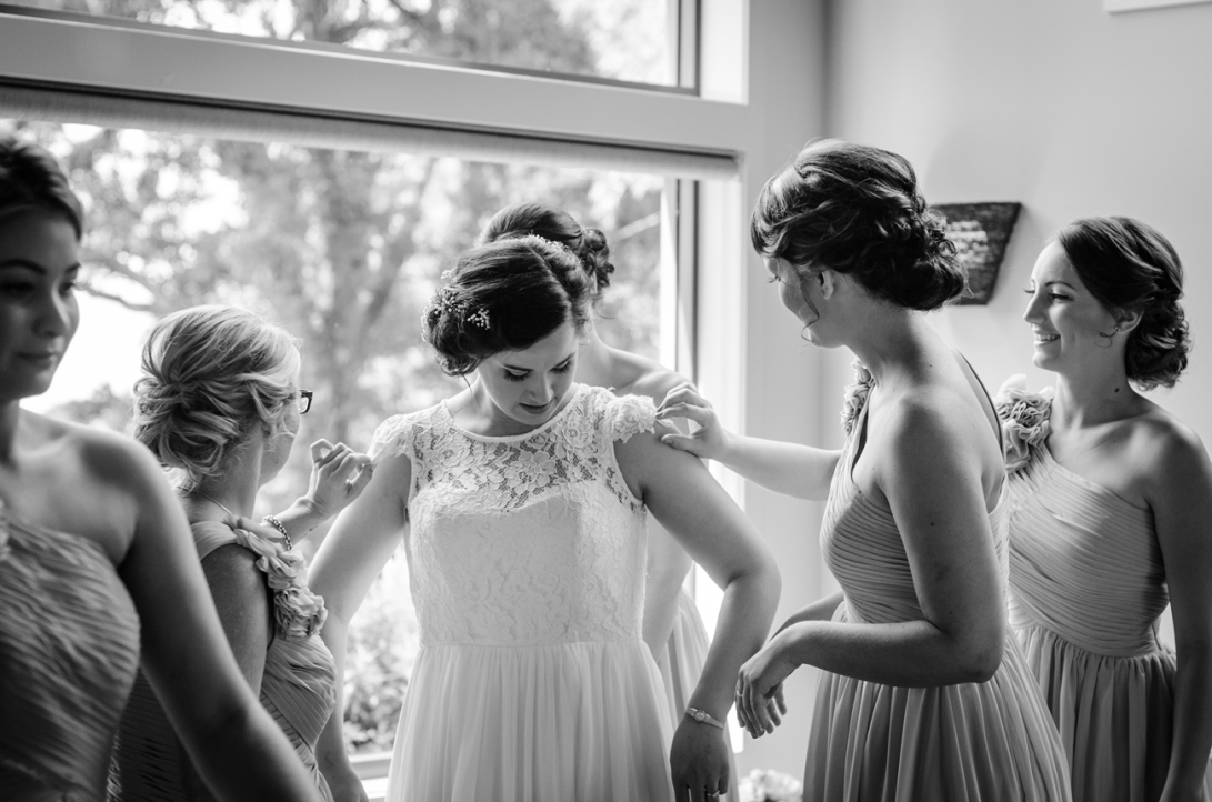 Aaron-+-Jaclyn-Wedding---Getting-Ready-B&W-28
