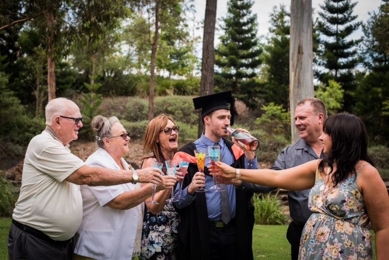 bens-graduation-gates-family-20
