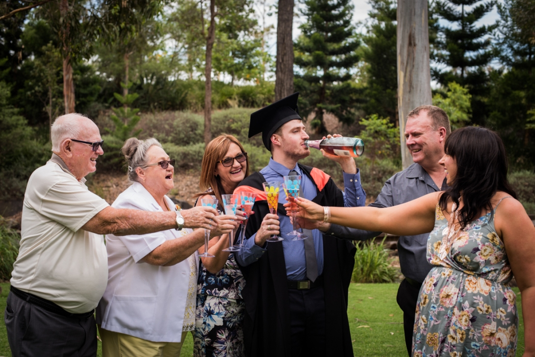 bens-graduation-gates-family-21