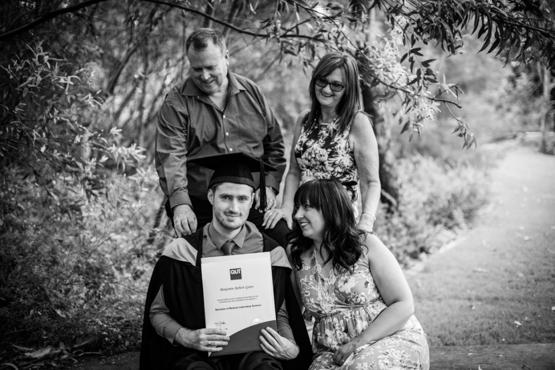 bens-graduation-gates-family-bw-24