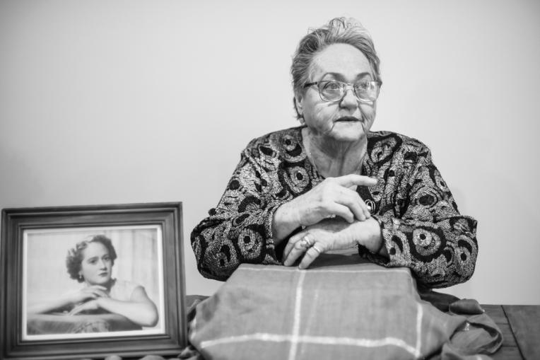 B&W - Ruth's 80th Brithday Family-16