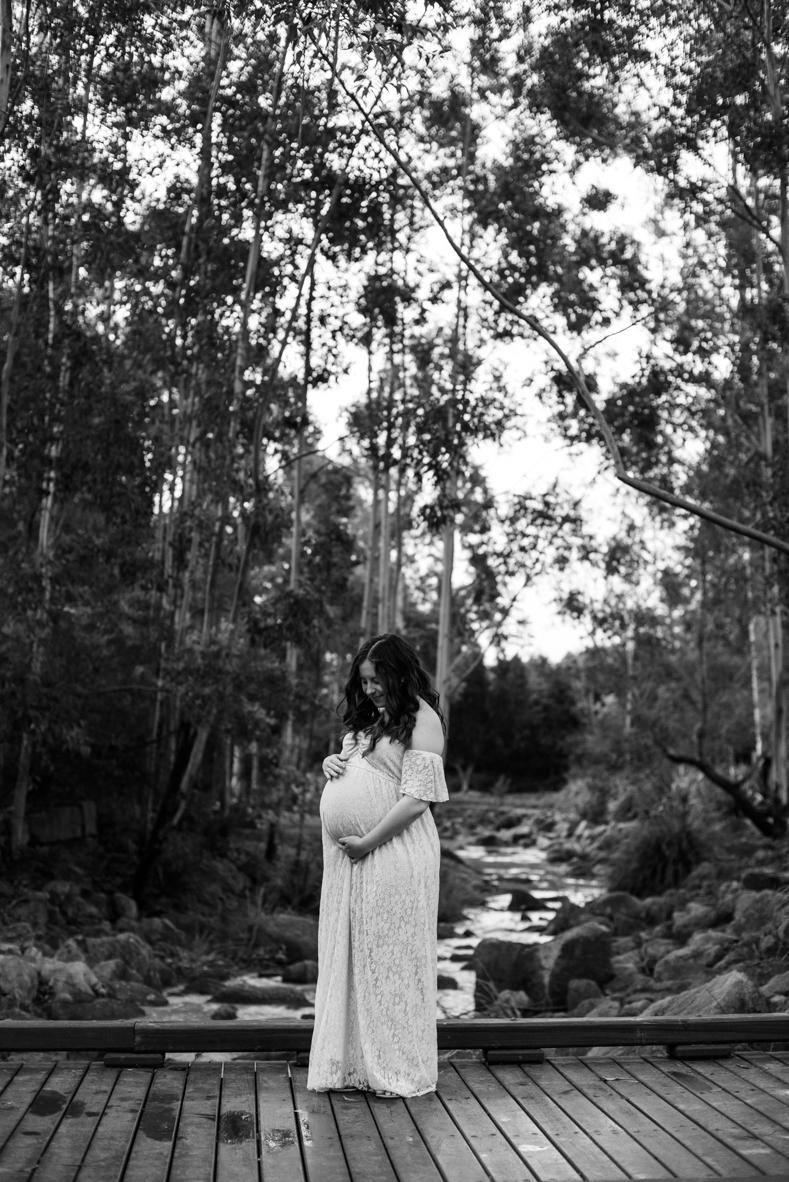 Scott + Ashley Maternity - B&W-13