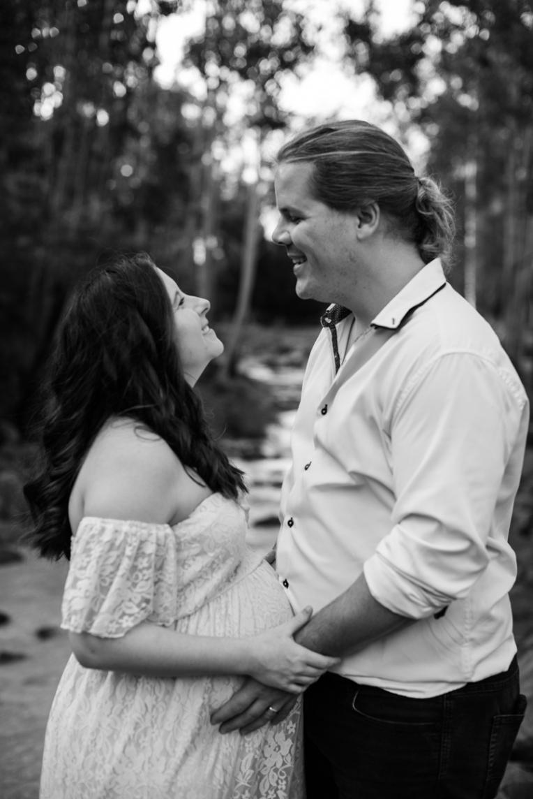 Scott + Ashley Maternity - B&W-5
